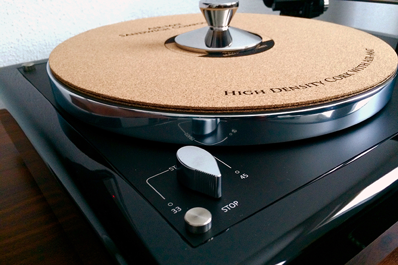 5. High Gloss Black plinth Thorens TD160 MK1