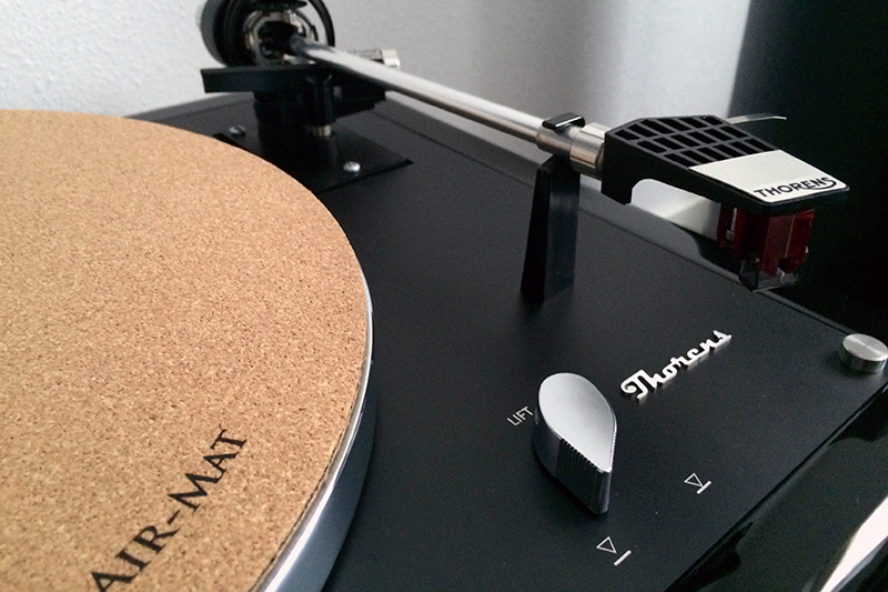 6. High Gloss Black plinth Thorens TD160 MK1