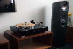 3. High Gloss Black plinth Thorens TD160 MK1